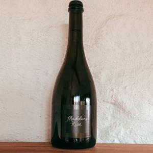Bottle of Maddens Rise Blanc de Blanc 2011